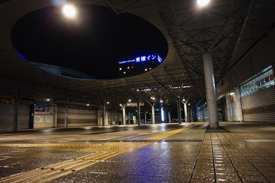 深夜の守谷駅 MORIYASTATION